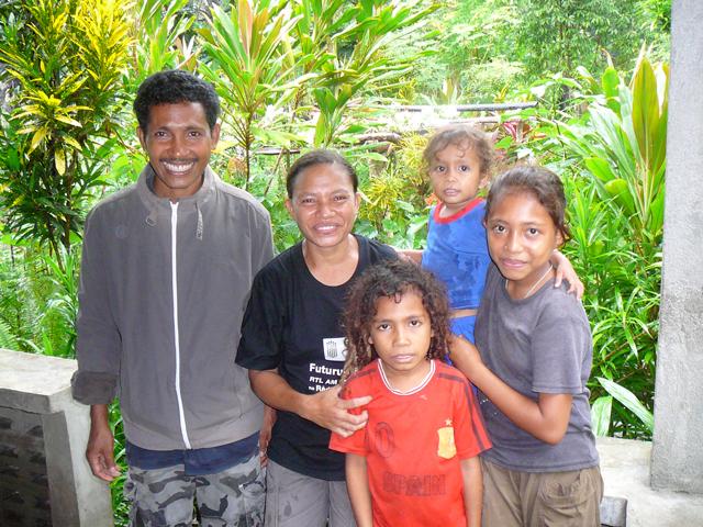 Mariano, Paulina and family